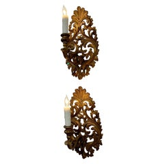 Pair of 19th Century Italian Carved and Giltwood 1 Arm Sconces