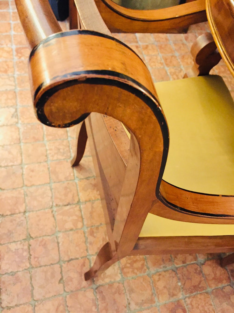 Italian Pair of Armchairs 19th Century Charles X Genoese Maple Armchairs For Sale 6