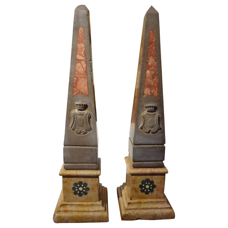 Pair of 19th Century Italian Neoclassical Style Marble Obelisks For Sale