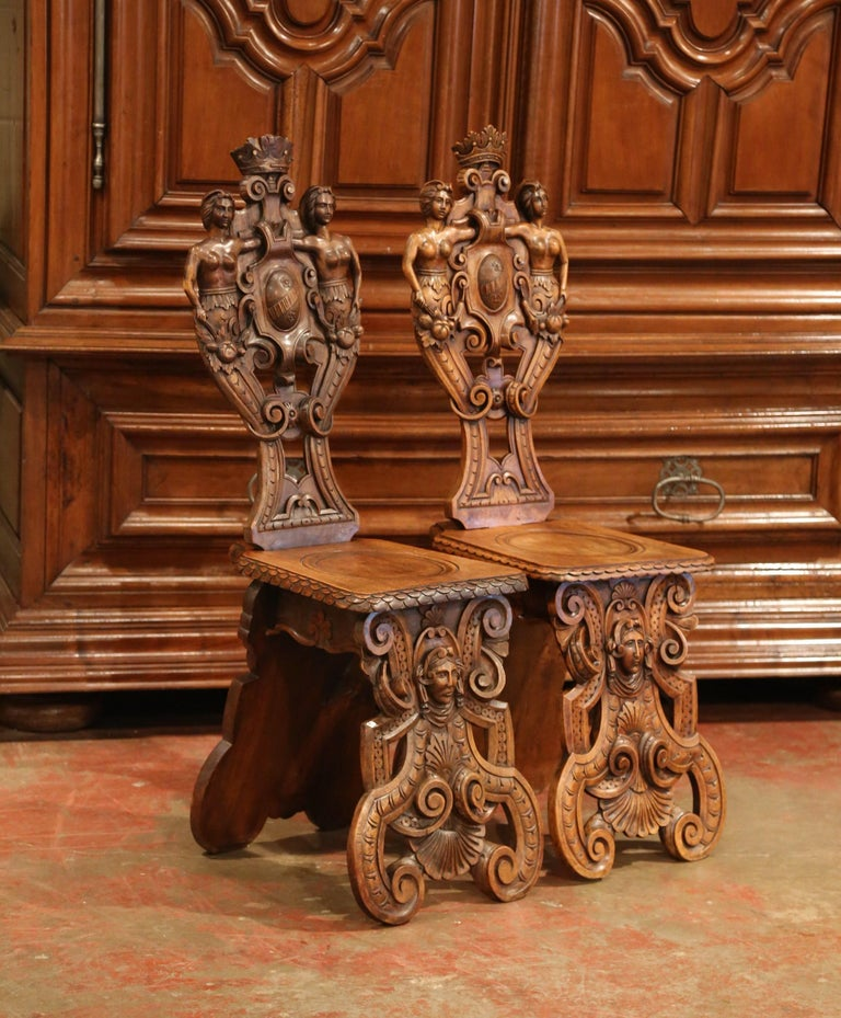 Pair of 19th Century Italian Renaissance Carved Walnut Sgabello Hall Chairs For Sale 1