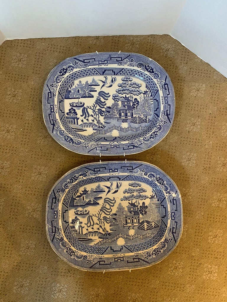 Pair of 19th Century Marked English Staffordshire Blue Willow Pearlware Platters In Good Condition For Sale In Atlanta, GA