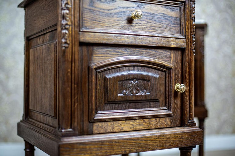Pair of 19th Century Oak Nightstands For Sale 5