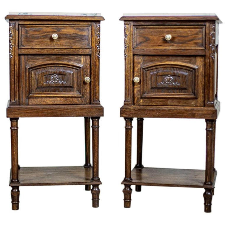 Pair of 19th Century Oak Nightstands For Sale