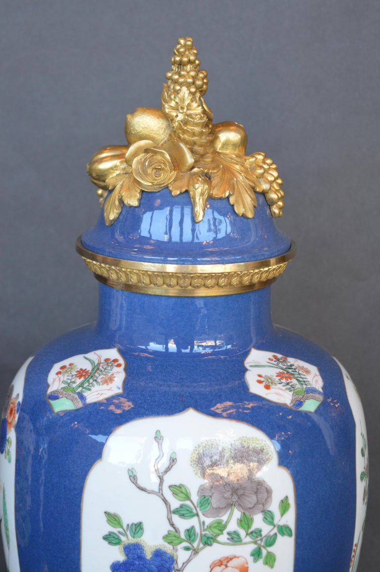 Pair of 19th Century Ormolu-Mounted Chinese Porcelain Vases In Good Condition For Sale In Los Angeles, CA