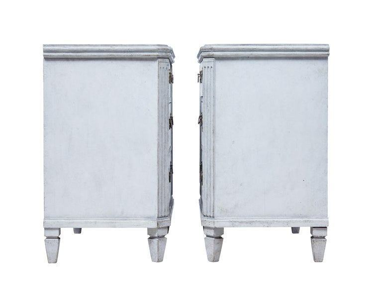 Pair of 19th Century Painted Swedish Commodes In Good Condition For Sale In Debenham, Suffolk
