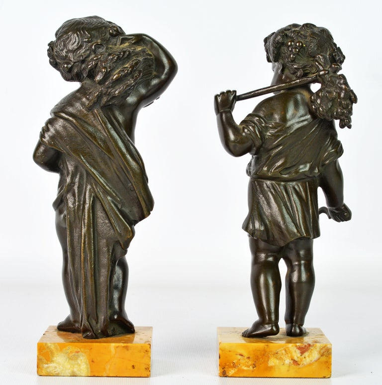 Italian Pair of 19th Century Patinated Bronze Putti as Harvesters on Sienna Marble Bases For Sale