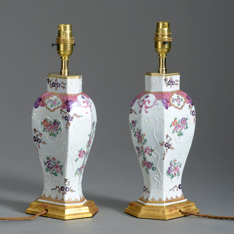 Chinese Export Pair of 19th Century Samson Famille Rose Porcelain Vase Lamps For Sale
