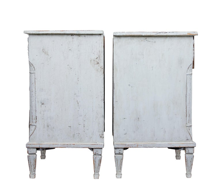 Gustavian Pair of 19th Century Swedish Pine Painted Commodes For Sale