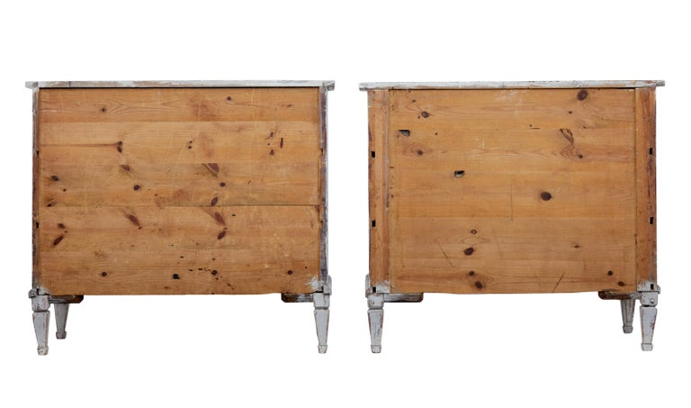 Hand-Painted Pair of 19th Century Swedish Pine Painted Commodes For Sale