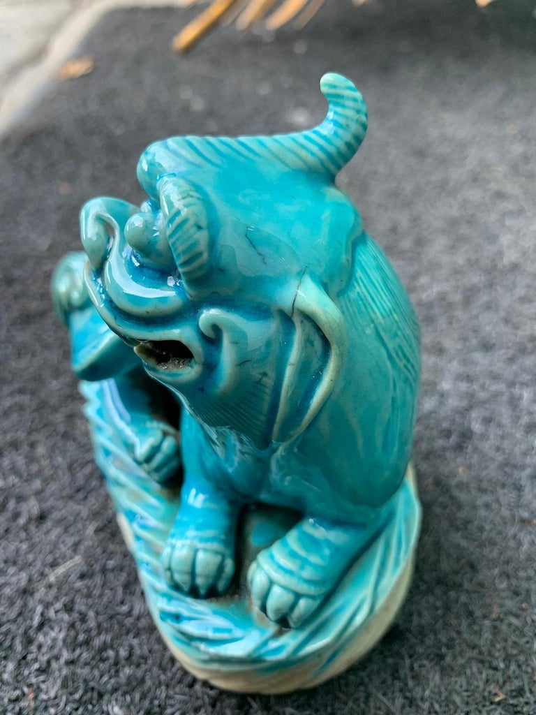 Pair of 19th Century Turquoise Painted Porcelain Foo Dogs For Sale 7