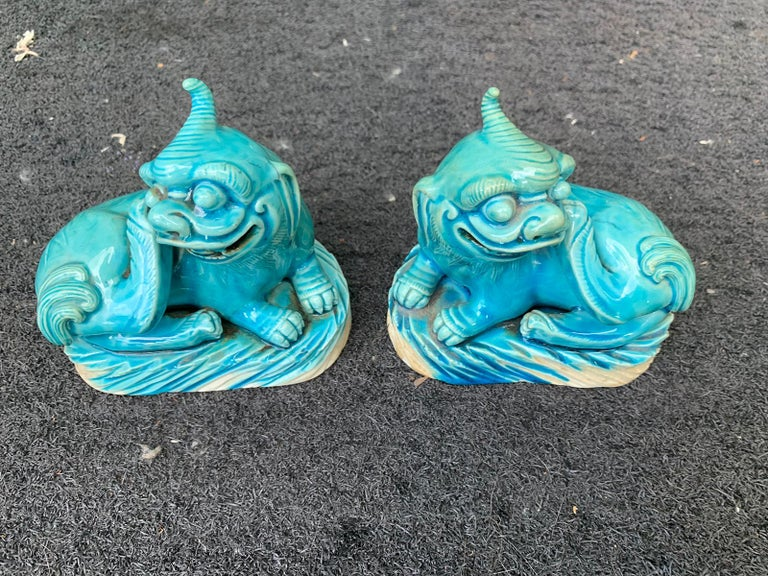 Pair of 19th Century Turquoise Painted Porcelain Foo Dogs For Sale 1