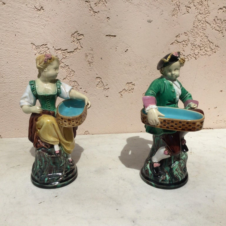 Pair of 19th Century Victorian Majolica Figural Salt Cellars Minton In Good Condition For Sale In The Hills, TX