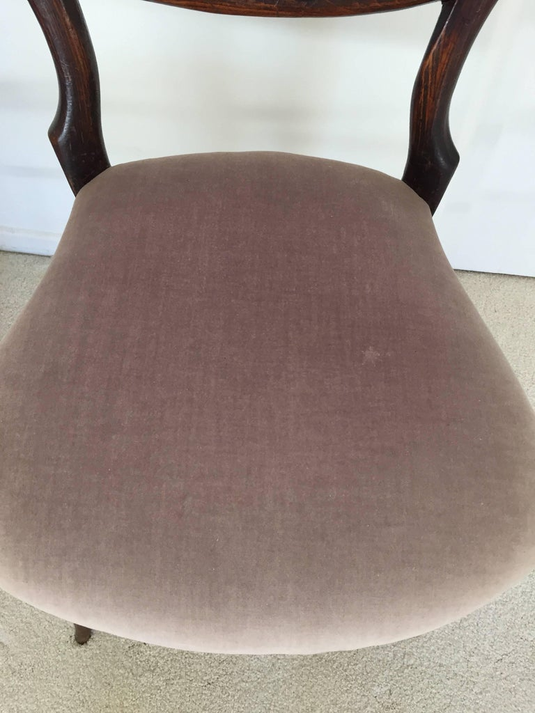 Pair of 19th Century Victorian Walnut Chairs For Sale 2