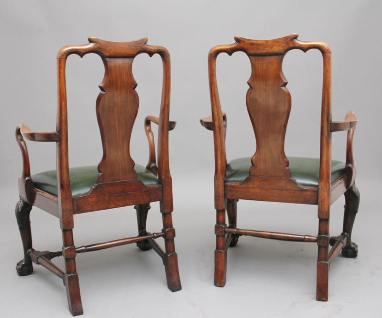 Victorian Pair of 19th Century Walnut Armchairs For Sale