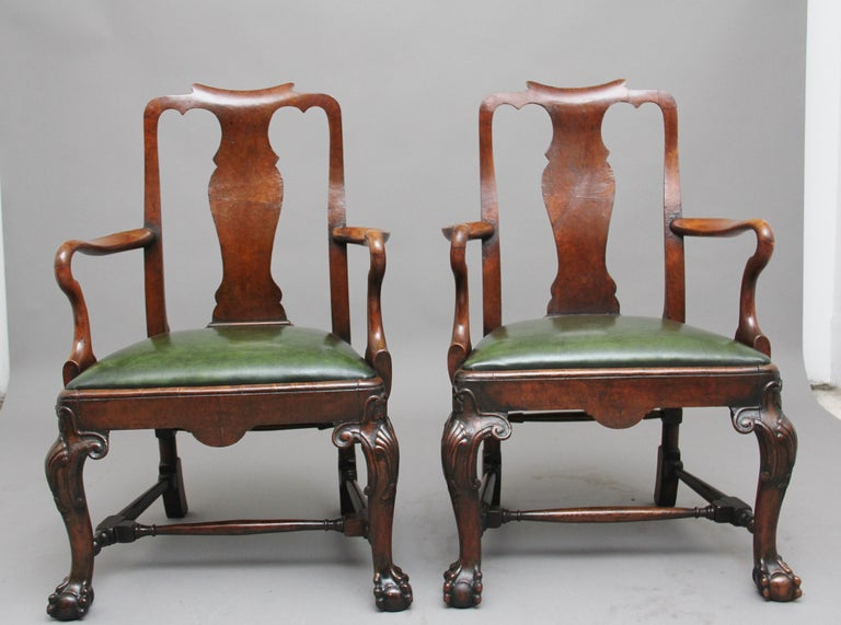 Pair of 19th Century Walnut Armchairs In Good Condition For Sale In Martlesham, GB