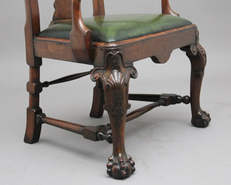 Pair of 19th Century Walnut Armchairs For Sale 1