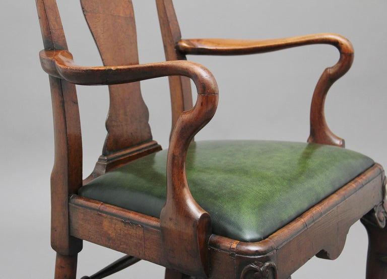 Pair of 19th Century Walnut Armchairs For Sale 2