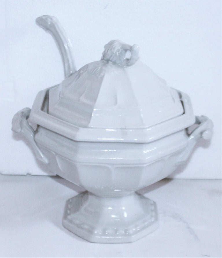 American Classical Pair of 19th Century Ironstone Tureens For Sale