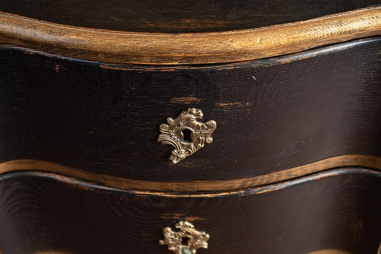Swedish Pair of 19thc Painted and Gilded Commodes For Sale