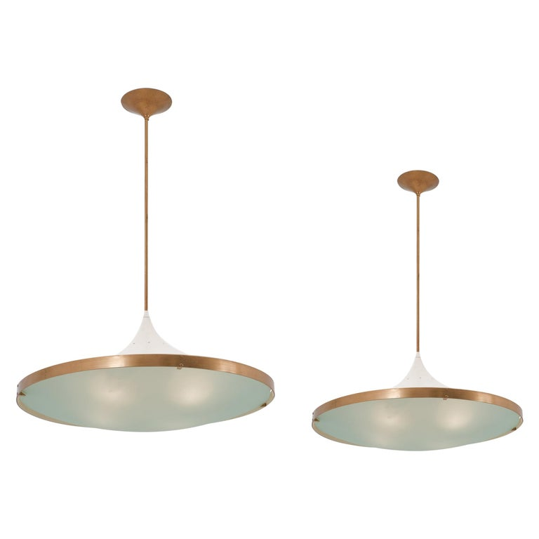 Pair of '2064' Chandeliers by Max Ingrand for Fontana Arte For Sale