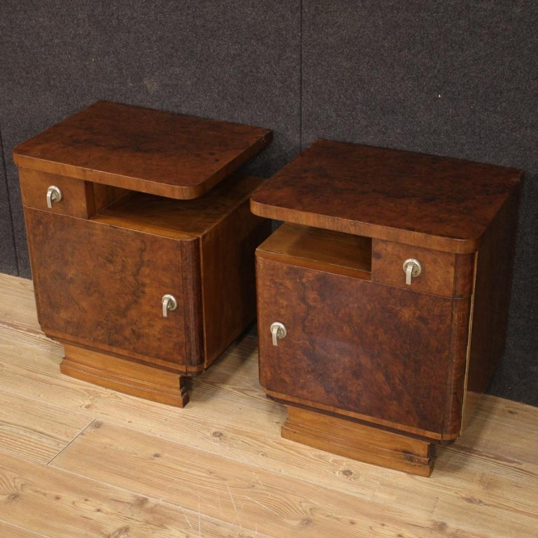 Pair of 20th Century Burl and Walnut Wood Italian Bedside Tables, 1950 In Good Condition For Sale In Vicoforte, Piedmont