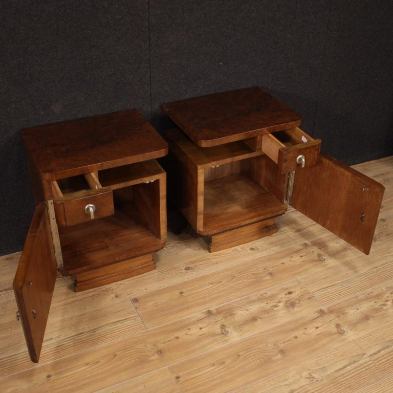 Pair of 20th Century Burl and Walnut Wood Italian Bedside Tables, 1950 For Sale 3