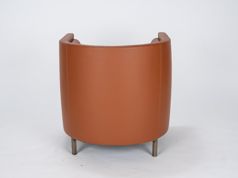 Pair of 20th Century Italian Barrel Back Chairs in Cognac Leather For Sale 1