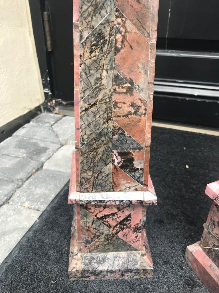 Pair of 20th Century Italian Large Pink Marble Obelisks For Sale 8