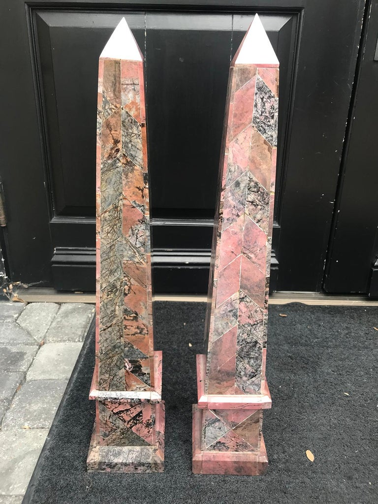 Pair of 20th Century Italian Large Pink Marble Obelisks For Sale 10