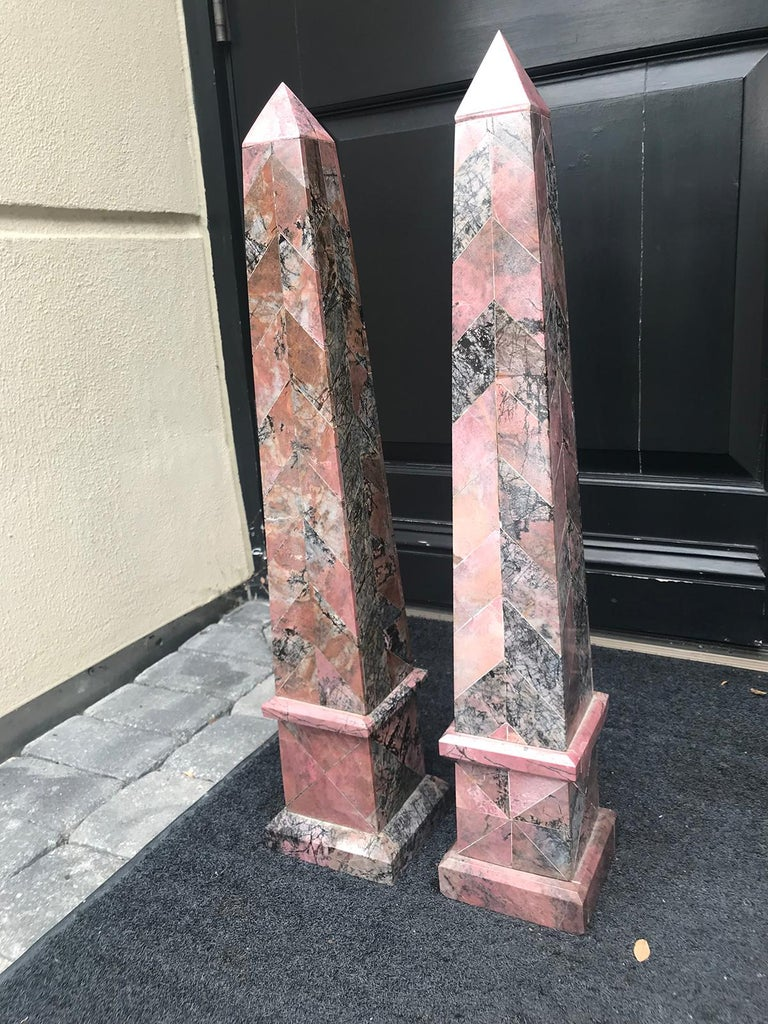 Pair of 20th Century Italian Large Pink Marble Obelisks In Good Condition For Sale In Atlanta, GA
