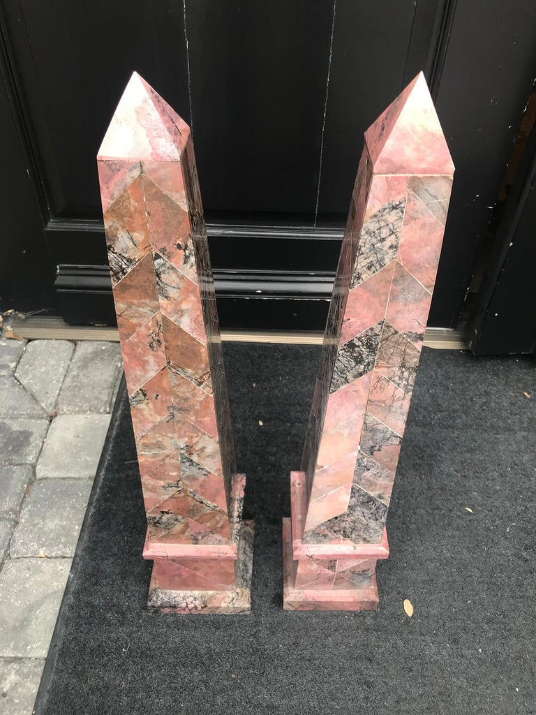 Pair of 20th Century Italian Large Pink Marble Obelisks For Sale 1