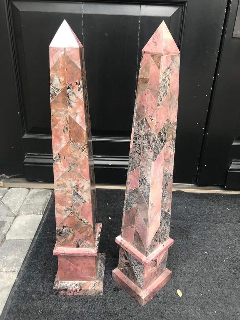 Pair of 20th Century Italian Large Pink Marble Obelisks For Sale 3