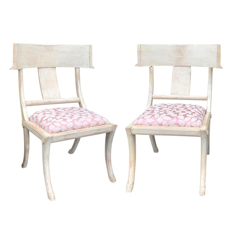 Pair of 20th Century Klismos Side Chairs, in the Style of T.H. Robsjohn-Gibbings For Sale