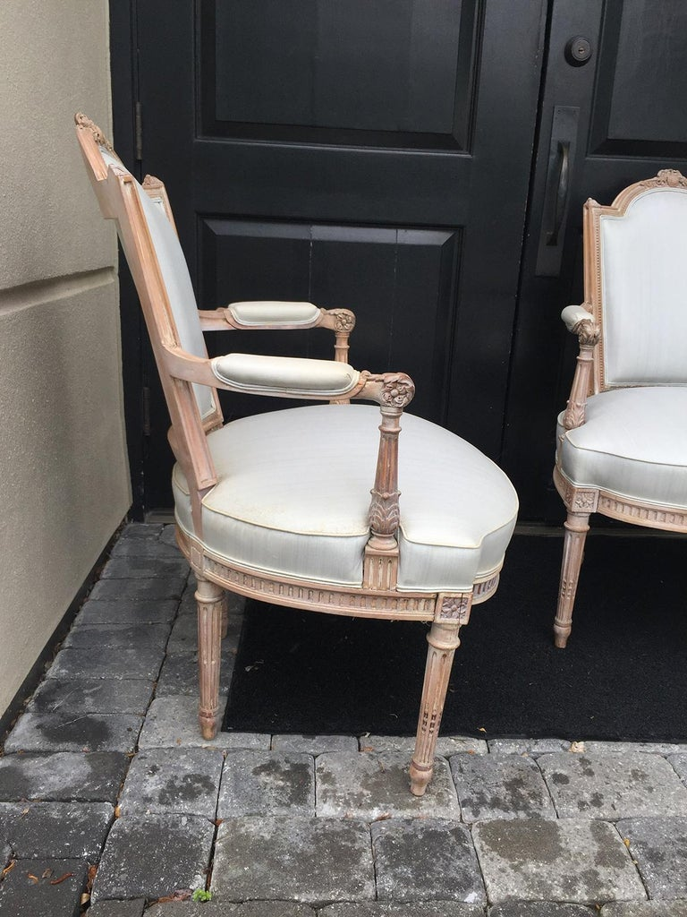 Pair of 20th Century Neoclassical Louis XVI Style Open Armchairs For Sale 2