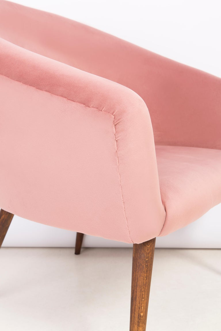 Pair of 20th Century Pink Velvet Shell Club Armchairs, 1960s For Sale 8
