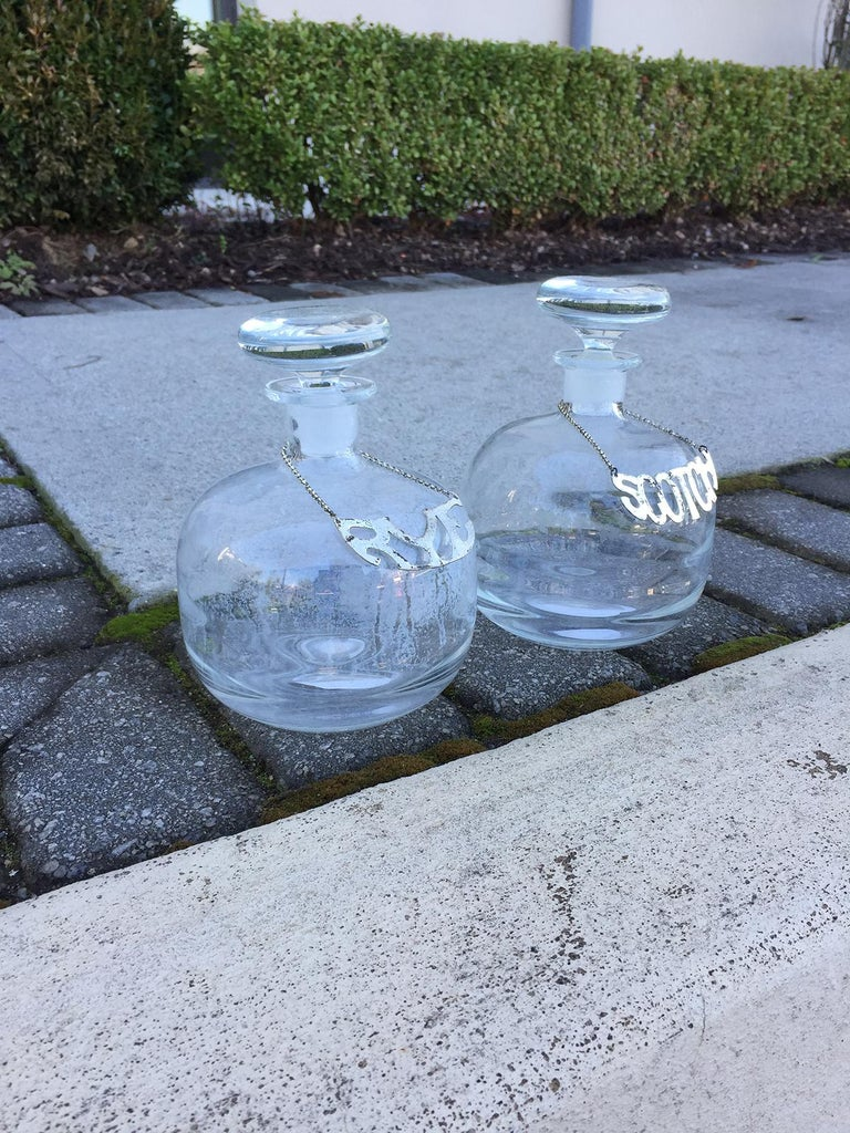 Pair of 20th Century Scotch and Rye Glass Decanters In Good Condition For Sale In Atlanta, GA