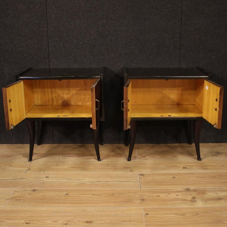 Pair of 20th Century Walnut and Ebonized Wood Italian Design Night Stands, 1960 In Good Condition For Sale In Vicoforte, Piedmont