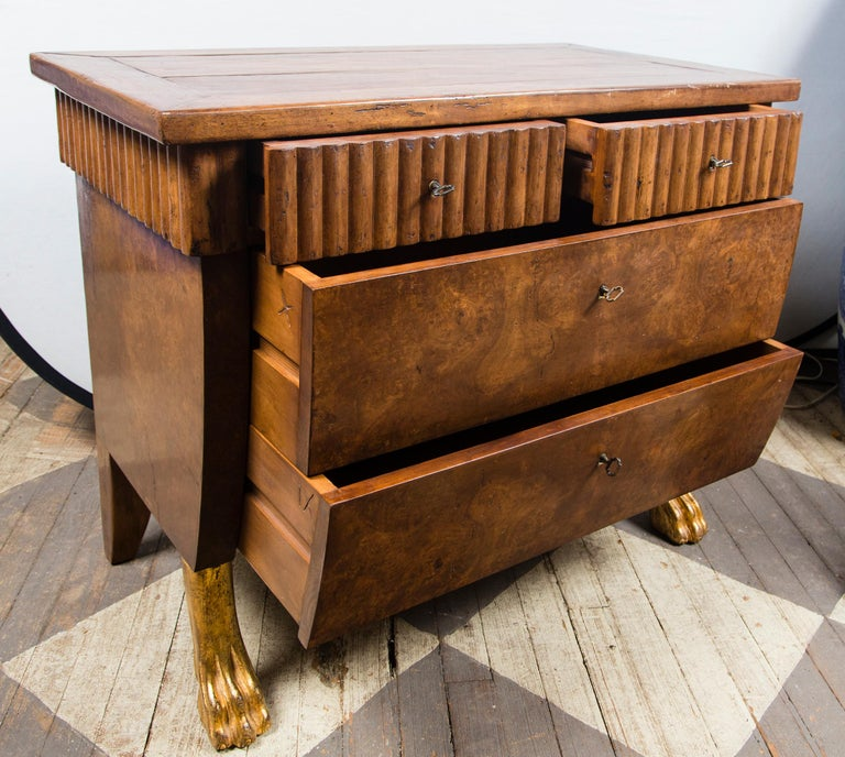 Italian Pair of 20th Century Walnut Commodes For Sale