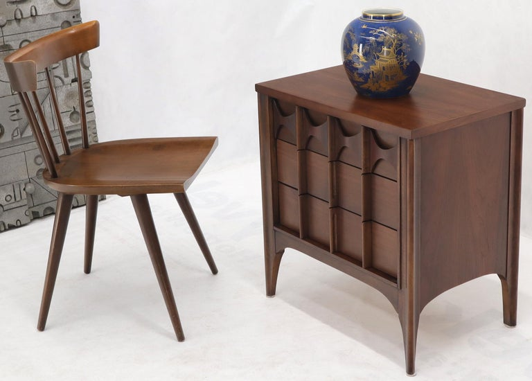 Pair of rosewood and walnut cube shape Mid-Century Modern three drawers side end tables.