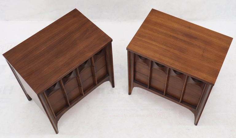 American Pair of 3 Drawers Rosewood and Walnut End Side Table For Sale