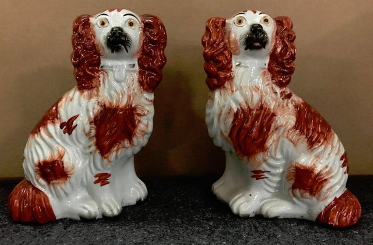 Pair of #4 Staffordshire England Red Seated Spaniel Dogs For Sale 2