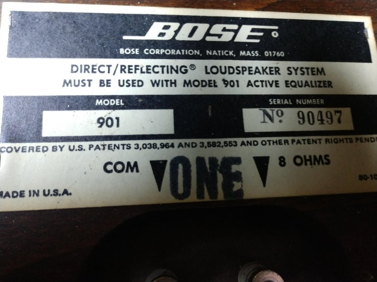 Pair of 901 Bose Speakers on Saarinen Tulip Bases and Equalizer, 1968 For Sale 3