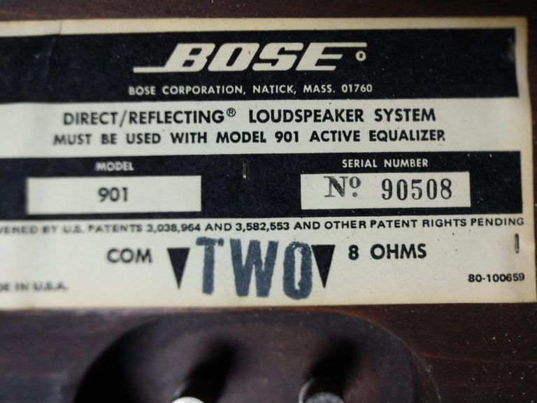 Pair of 901 Bose Speakers on Saarinen Tulip Bases and Equalizer, 1968 For Sale 4
