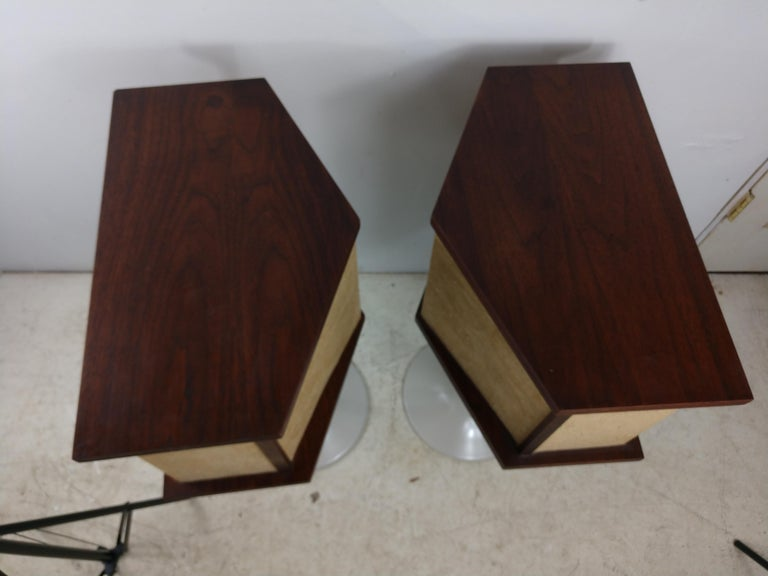 Fabulous pair of vintage, (1st year 1968) 901 speakers with tulip bases and with the equalizer and original typed instructions. Tulip bases have been restored, sanded and sprayed an almond color to match the fabric on the speakers. Cabinets are