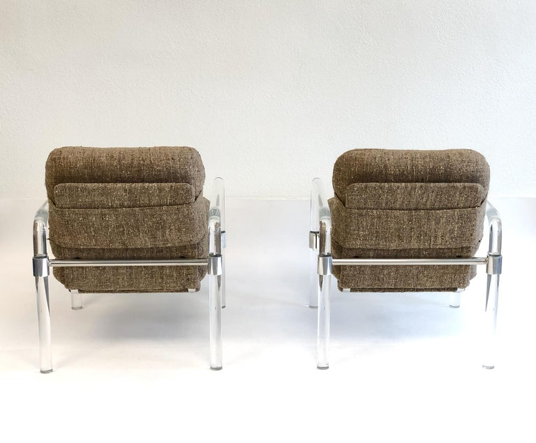 Pair of Acrylic and Chrome Lounge Chairs by Jeff Messerschmidt In Excellent Condition For Sale In Palm Springs, CA