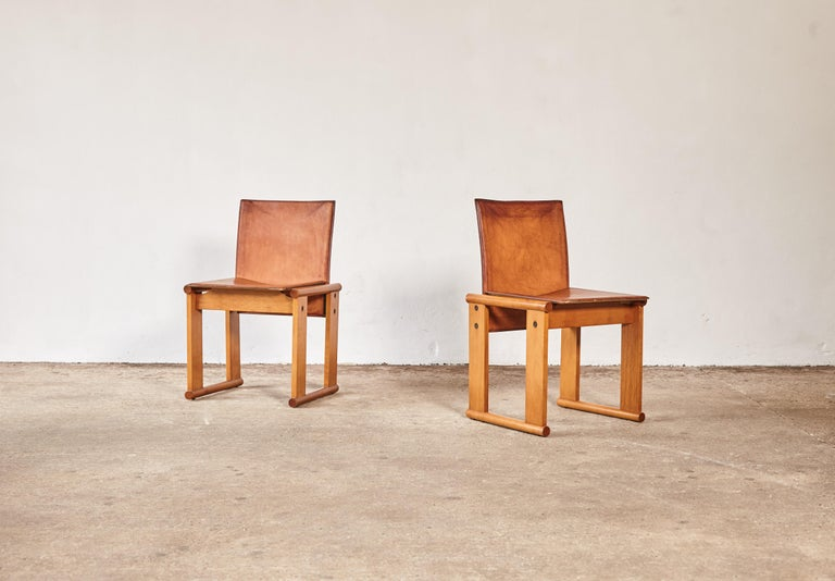 Mid-Century Modern Pair of Afra & Tobia Scarpa Dining Chairs for Molteni, Italy, 1970s For Sale
