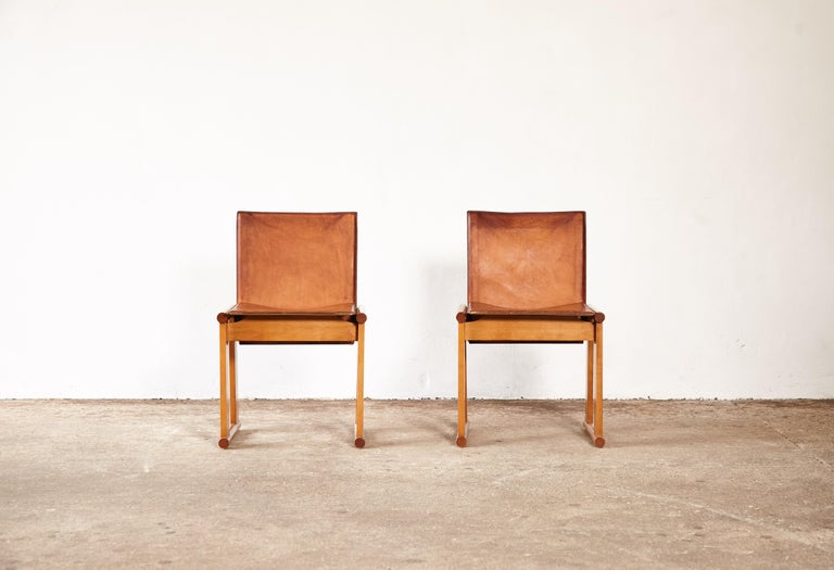 Italian Pair of Afra & Tobia Scarpa Dining Chairs for Molteni, Italy, 1970s For Sale