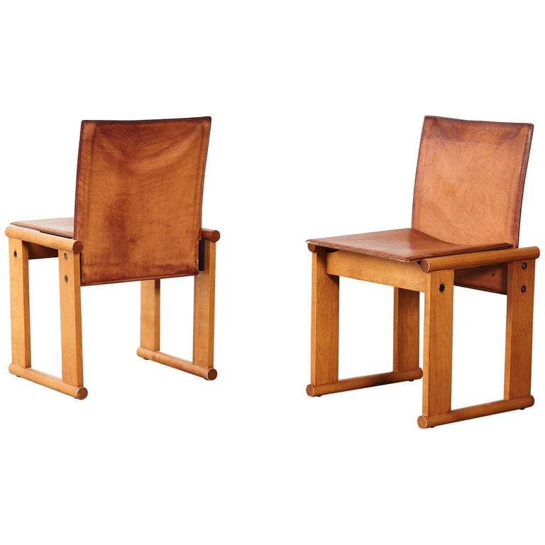 Pair of Afra & Tobia Scarpa Dining Chairs for Molteni, Italy, 1970s For Sale