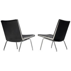 Pair of Airport Slipper Chairs by Hans J. Wegner