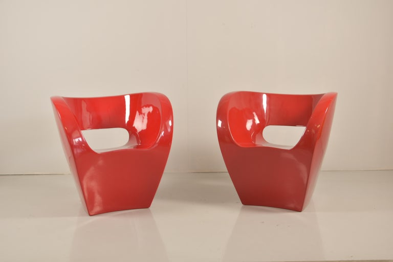Pair of little Albert black lacquered polyethylene armchairs, designed in 2000 by Ron Arad (Tel-Aviv, 1951) for the Italian design furniture manufacturer Moroso. This iconic model is part of the popular Victoria and Albert Collection.